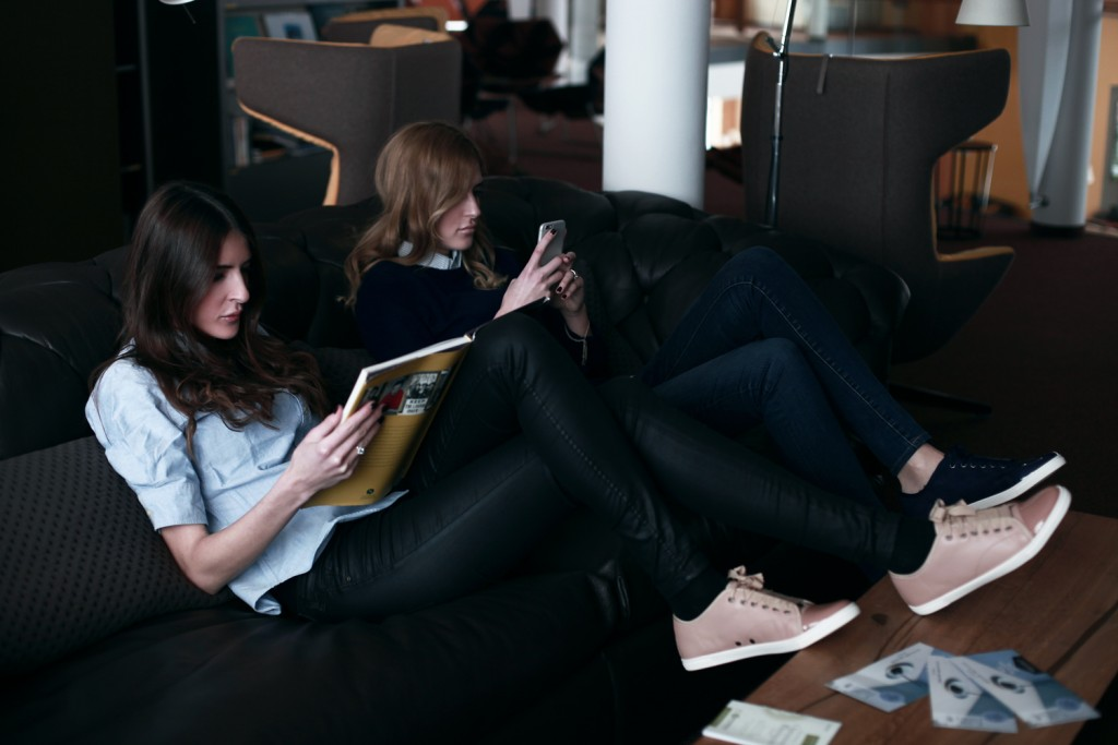 Keeping it cozy - Des & Jen