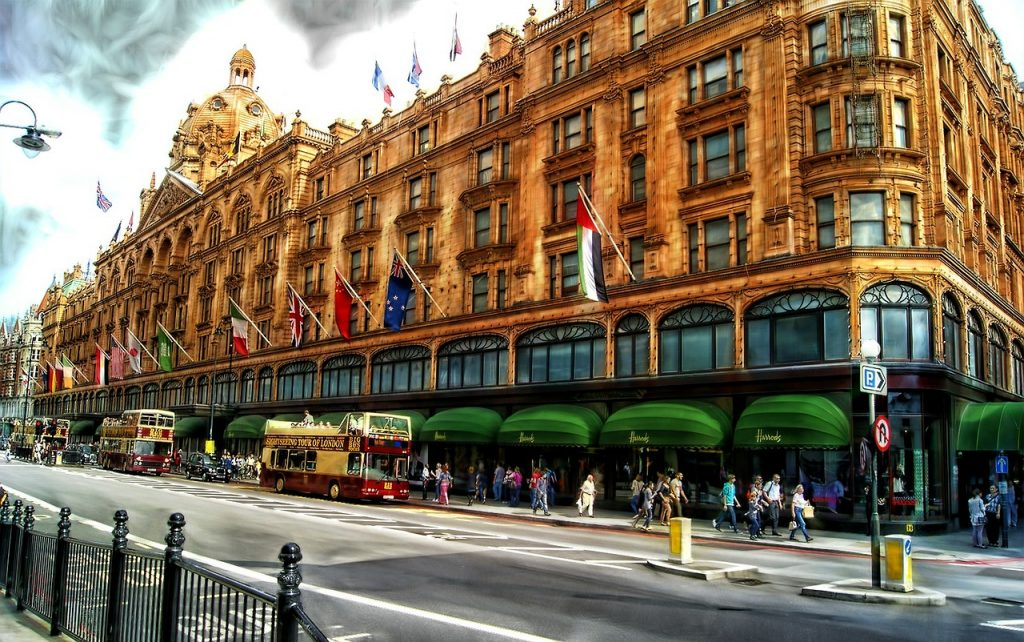 Des_Jen_London_baby_Harrods