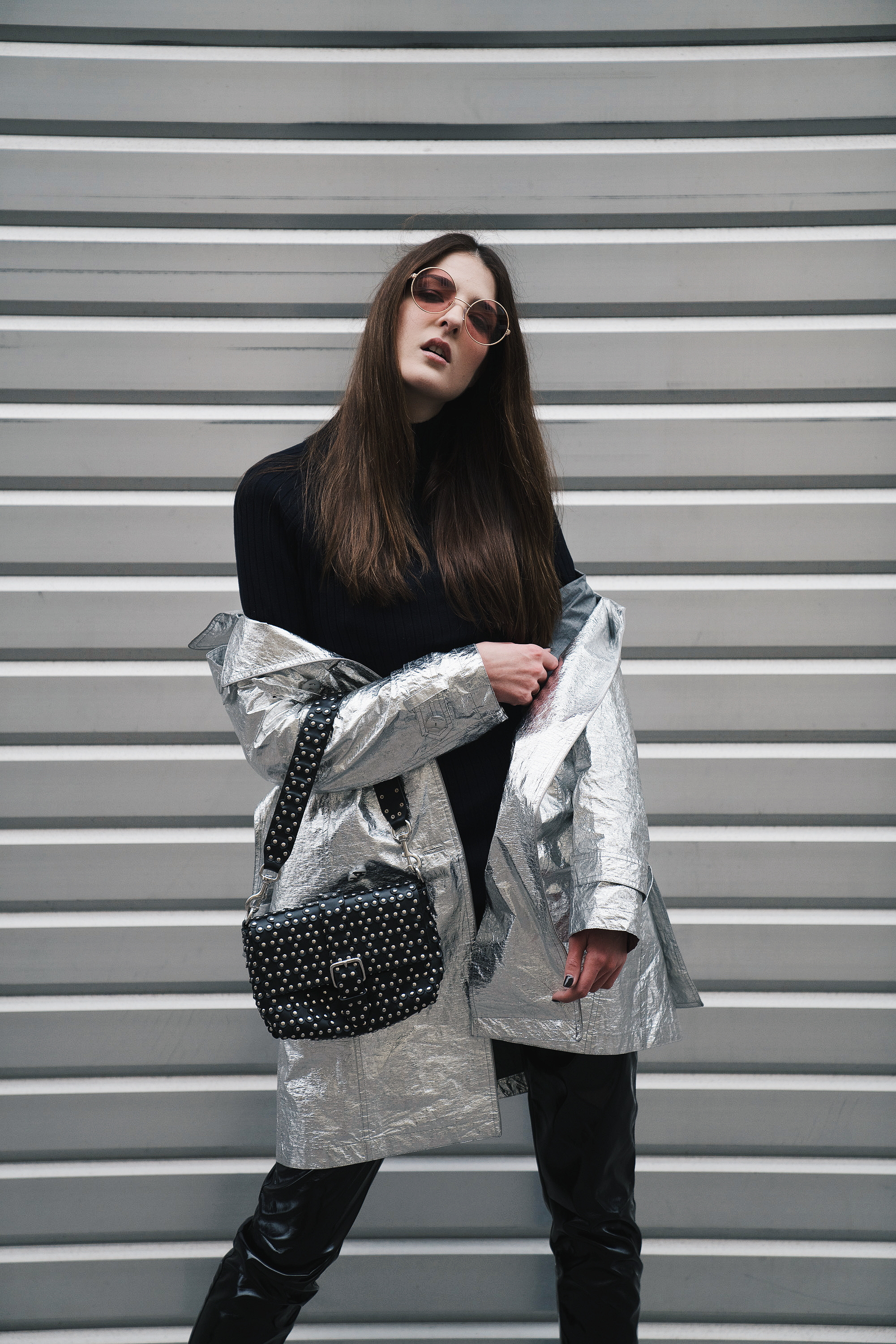 445af60989a ... if you go for pop of silvers such as the metallic trench coat from  Diego M rather than a full look. It can completely liven up your simple  outfit.